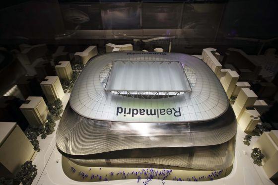 Primer diseño del estadio Bernabéu realizado por la empresa alemana GMP Architekten y los estudios L-35 y Ribas&Ribas.
