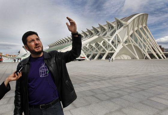 El diputado Ignacio Blanco en una visita a la Ciudad de las Artes, diseñada por Calatrava.