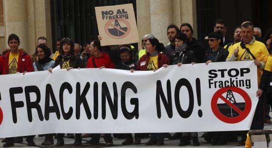 Concentración contra el 'fracking' en Castellón de la Plana.
