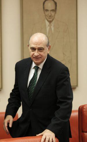 El ministro del Interior, Jorge Fernández Díaz, llega al Congreso de los Diputados.