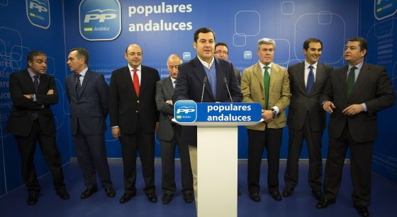 Juan Manuel Moreno Bonilla presenta sus avales para presidir el PP con los ocho presidentes provinciales.