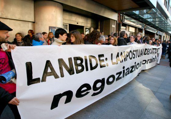 Los sindicatos creen un esc ndalo la propuesta para for Oficinas lanbide