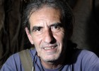 El cantautor Alfonso del Valle destila ironía en las historias de '8.0'