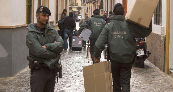 La Guardia Civil registra la sede de UGT por orden de Alaya, en diciembre.