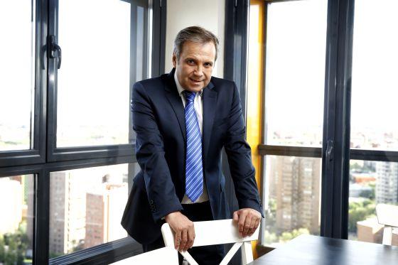 Antonio Miguel Carmona, el sábado en su casa durante la entrevista.