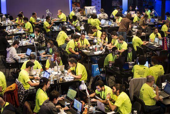 Decenas de desarrolladores en la FinAppsParty