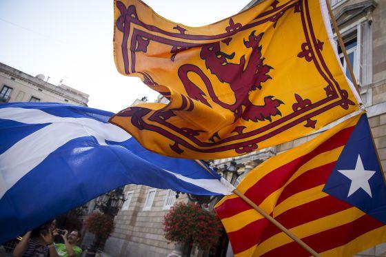 Independentistas catalanes apoyan el referéndum escocés.