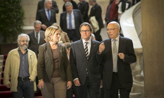 De Gispert, Mas y Rigol en la reunión del Pacto por el Derecho a Decidir.