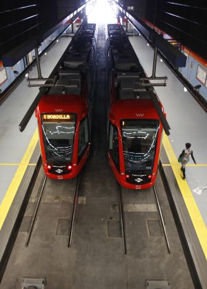Los viajeros del transporte p blico caen por sexto a o for Metro ligero colonia jardin