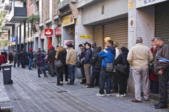 Obtener la nacionalidad qu r o une barcelona y madrid for Oficina de extranjeria aluche