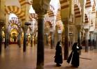 Alcaldes cordobeses recuerdan a Aguilar su pacto por la mezquita