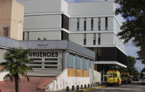 Entrada de Urgencias del hospital Parc Taulí de Sabadell.