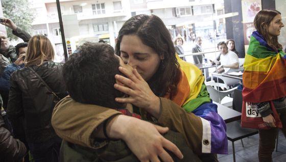 Besos contra la Homofobia