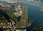 El aeropuerto de Hondarribia expone fotografías aeronáuticas