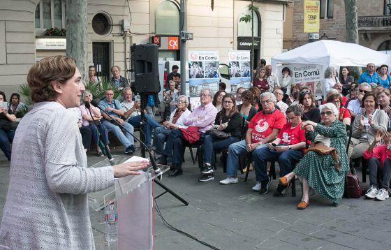 Ada Colau, durante el acto del lunes en Sarrià.