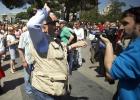 Unas 400 personas se concentran en Colón en contra de Carmena