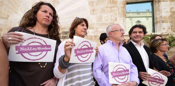 Polémica por la compra del iPhone 6 para los diputados valencianos