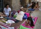Decenas de 'fans' de Pablo Alborán acampan dos semanas en Valencia