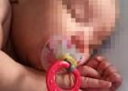 """La madre del bebé arrojado a un contenedor afirma: """"Me agobié"""""""