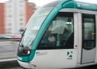Colau mantiene la apuesta por el tranvía pese a la oposición