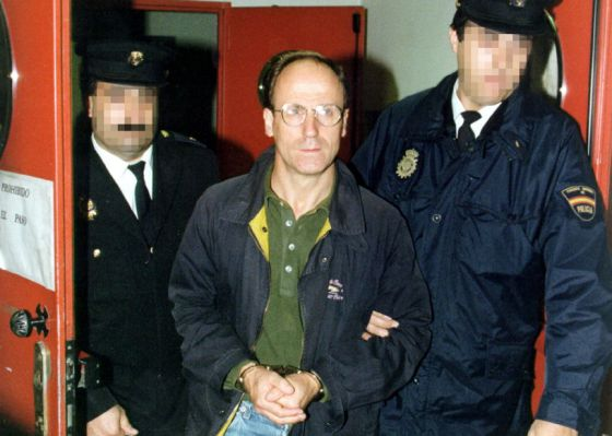 El exetarra José Luis Álvarez en 1999 tras llegar a España desde una cárcel francesa.