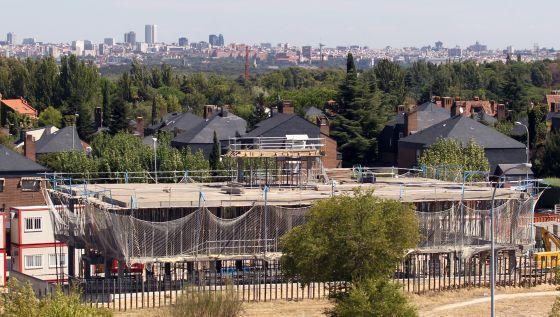Pozuelo paraliza un mcdonald 39 s al que se opon a una - Urbanizacion de lujo en madrid ...