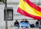 Las dos Españas, a las puertas del Ayuntamiento