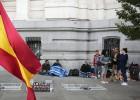 Las acampadas ilegales de Cibeles enfrentan a Ayuntamiento y Delegación del Gobierno