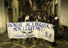Manifestación y rotura de escaparates de bancos en Gràcia