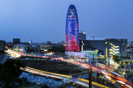 La torre Agbar de Barcelona, antigua sede de Aguas de Barcelona, cuyo socio mayoritario, Suez, ha llevado la sede fiscal al Madrid.