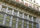 La fachada del teatro Albéniz, con las puertas tapiadas, en mayo del año pasado.