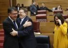 La izquierda aprueba en las Cortes su primer presupuesto autonómico