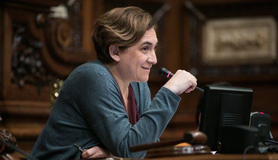 Ada Colau en el pleno del Ayuntamiento de Barcelona