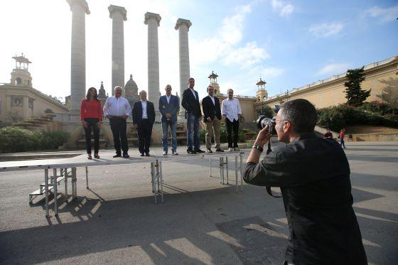 Preparativos de la foto de familia de los candidatos a las elecciones catalanas del 27 de septiembre.