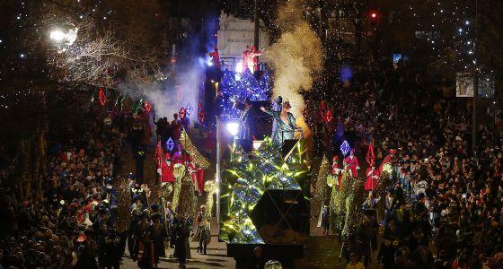 Los reyes magos, durante la cabalgata de Madrid.