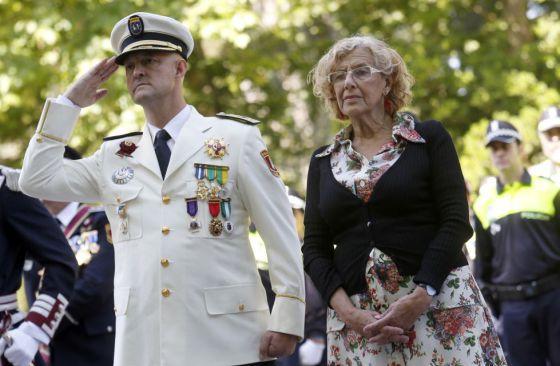 Francisco Caletrio, junto con la alcaldesa Manuela Carmena, el pasado 24 de junio.