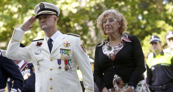 Francisco Caletrio con Manuela Carmena, el pasado 24 de junio.