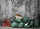 La reducción de barrenderos por Navidad agrava la suciedad