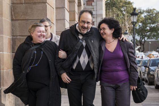 Antonio Baños, diputado de la CUP, a su llegada ayer al Parlament.