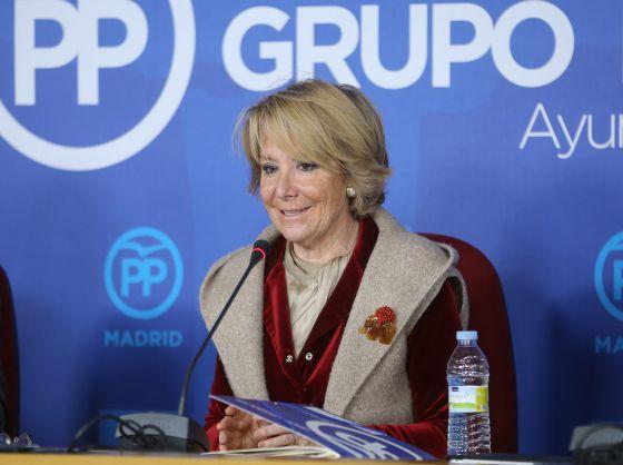 Esperanza Aguirre durante la rueda de prensa en el Ayuntamiento.
