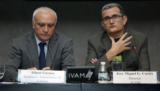 El secretario autonómico de Cultura, Albert Girona, y el director del IVAM, José Miguel García Cortés.