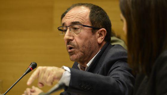 El exportavoz socialista Andrés Perelló durante su comparencia en la comisión del metro.