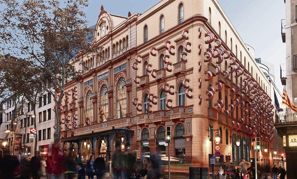 Fotomontaje de la instalación propuesta por Amat para la fachada del Liceo.
