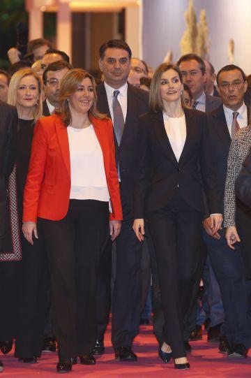 La presidenta de Andalucía, Susana Díaz, y la Reina Letizia, en Fitur.