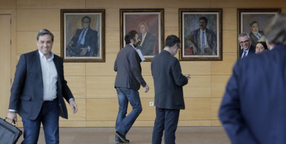 Retrato de Ramón Espinar en la Asamblea de Madrid