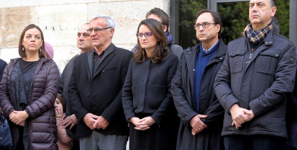 Concentración frente al Palau de la Generalitat contra el asesinato machista registrado el viernes 22.