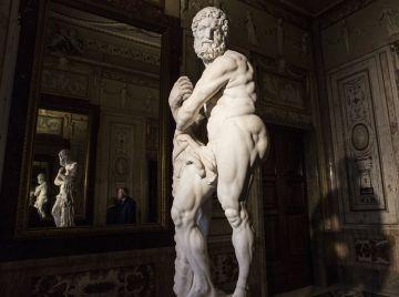 'Hércules apoyado en su clava', expuesta en el Palacio Real.