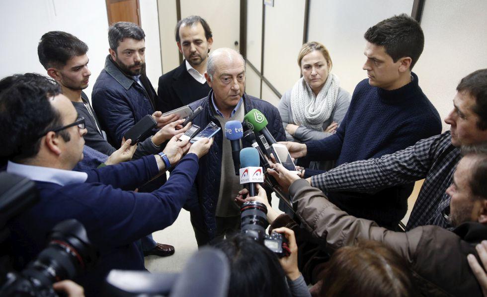 Alfonso Novo, portavoz municipal del PP en Valencia, a la salida del registro judicial.