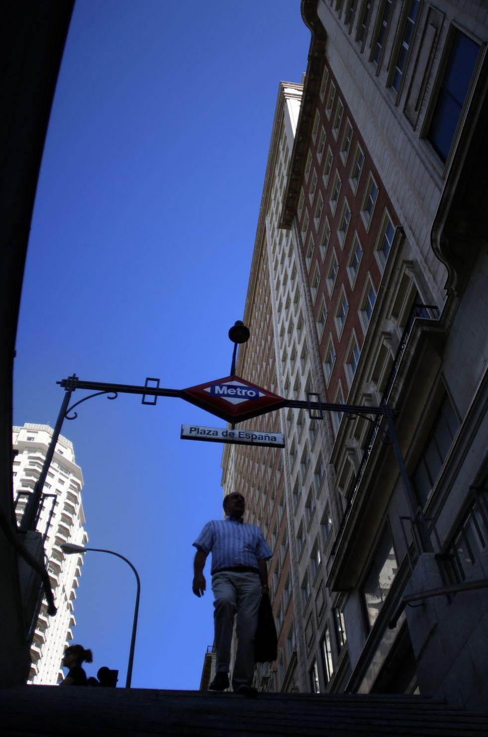 Fachada del edificio España, en la plaza de igual nombre.