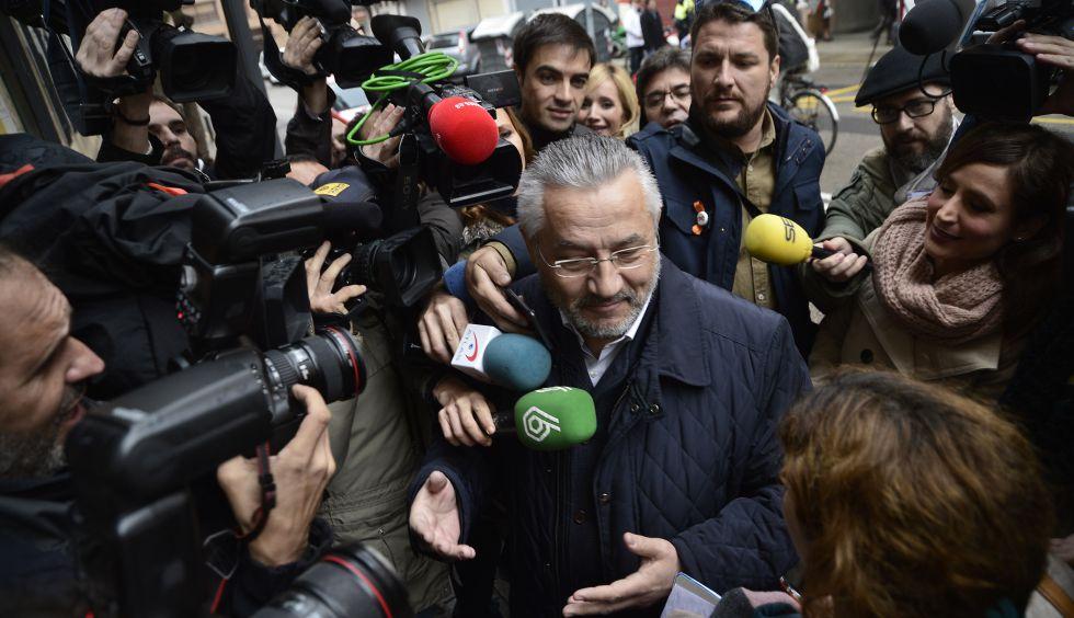 El exconcejal de Valencia y diputado del PP en las Cortes, Miquel Domínguez, a su llegada hoy a la comandancia.